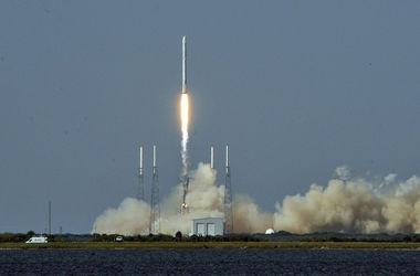 При взрыве ракеты Falcon 9 был уничтожен спутник Facebook
