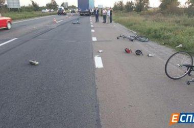Водитель грузовика, сбивший велосипедистов под Броварами, уснул за рулем