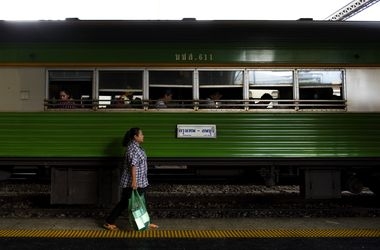 В таиландском поезде взорвалась бомба