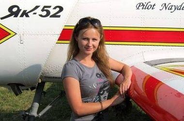 Самая молодая украинская летчица показывает фигуры высшего пилотажа и вдохновляет людей