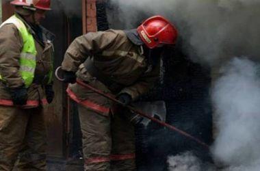 В Харькове подожгли иномарку