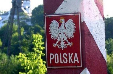 В очередях на границе с Польшей стоят более тысячи автомобилей