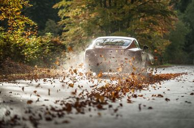 Прогноз на осень для авторынка: подешевеют электромобили и подорожает бензин