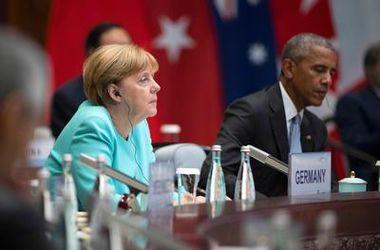 Обама обсудил с Меркель и Олландом ситуацию в Украине