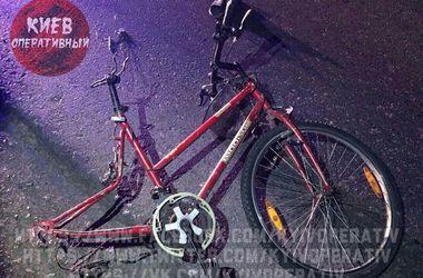 Под Киевом автомобиль насмерть сбил велосипедиста в темноте