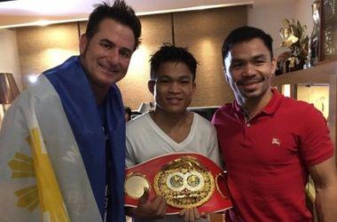 Мэнни Пакьяо дал денег чемпиону мира, который получил за бой очень маленький гонорар