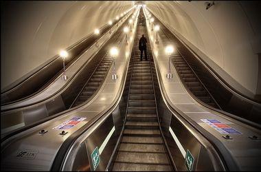 Ученые выяснили, как избежать очередей в метро - Новости ...: http://www.segodnya.ua/science/uchenye-prizvali-ne-prohodit-po-eskalatoru-v-metro-vo-izbezhanie-ocheredey-749892.html