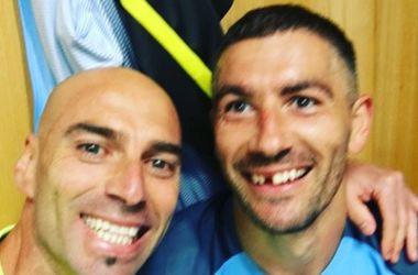 """Защитнику """"Сити""""  выбили зуб в дерби Манчестера"""