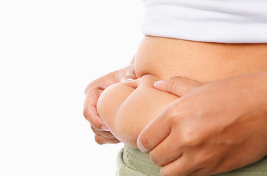 Жир на животе может быть полезным для здоровья – ученые