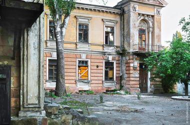 В Одессе в здании бывшего детского садика произошел пожар