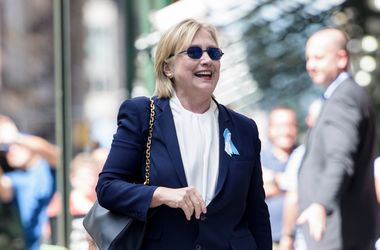 Клинтон продолжит предвыборную кампанию к концу недели