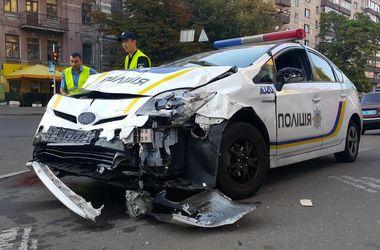 Рано утром в Киеве произошло крупное ДТП с патрульными
