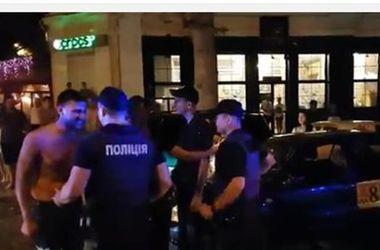 """Уволили патрульных, которые не смогли успокоить """"мажоров"""" в Николаеве"""