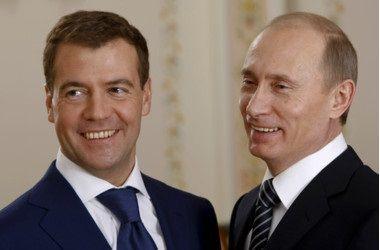 Дмитрий Медведев и Владимир Путин. Фото: AFP