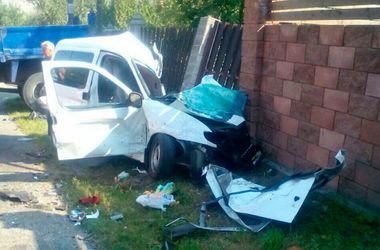 В  ДТП на трассе Киев-Чоп попала многодетная семья: трое погибших