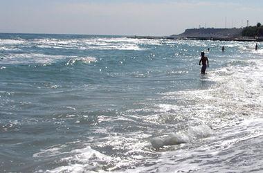 На пляже в Одессе семейная пара обворовывала отдыхающих