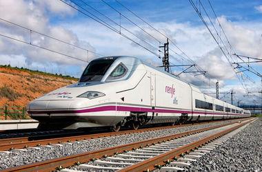 В Испании машинист остановил поезд на полпути, потому что у него закончилась смена