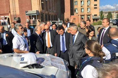 Штайнмайер и Эро прибыли в Краматорск на базу ОБСЕ