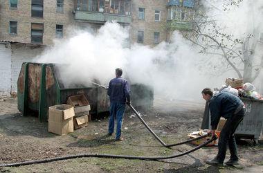 Жители левого берега Киева: ночные мусорные пожары мешают нам спать и дышать