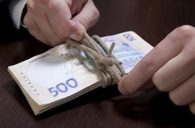 На Волыни погорели на взятке чиновники сервисного центра МВД