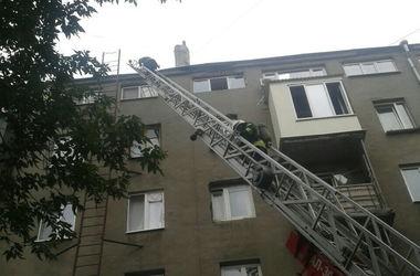 В центре Харькова всю ночь горел дом