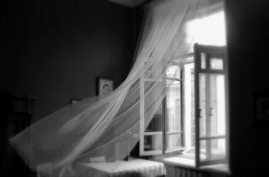 В Тернополе девушка бросилась с балкона многоэтажки