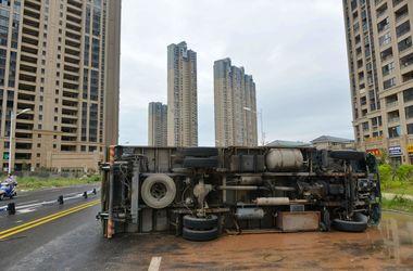 Что оставил после себя разрушительный супертайфун в Китае