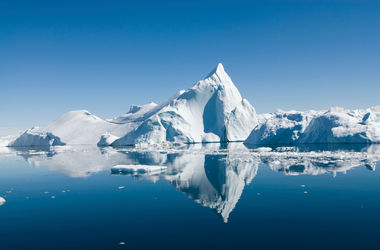 Арктика тает гигантскими темпами: площадь льда достигла рекордного минимума