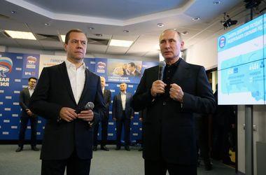 """Вброс бюллетеней и """"унылое"""" голосование: реакция соцсетей на выборы в Госдуму РФ"""