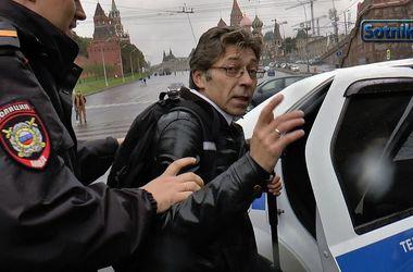 Российский журналист Саша Сотник из-за угроз покинул территорию РФ