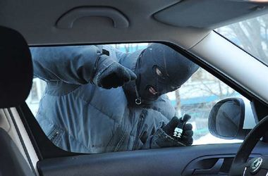 Машину ограбили ранним утром. Фото: chto-proishodit.ru