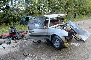 Смертельное ДТП на Прикарпатье: легковушку разорвало на части