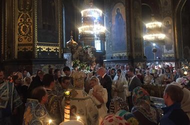 Тимошенко покрестила внучку