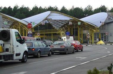На границе с Польшей в очередях застряли около 400 авто – Госпогранслужба