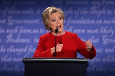 Клинтон – Трампу: ты живешь в собственной реальности