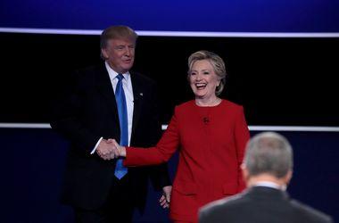 Трамп и Клинтон поспорили, у кого больше опыта