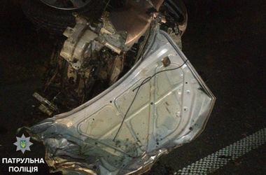 Смертельное ДТП на трассе Киев-Чоп: легковушка влетела в грузовик