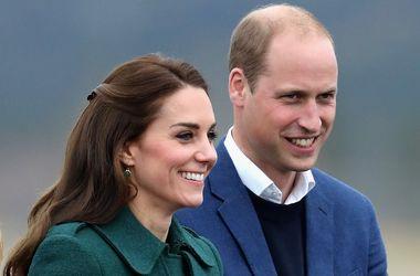 Королевский стиль: Кейт Миддлтон в пальто за 9 тысяч гривен показала стильный образ