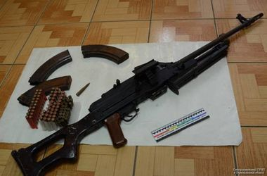В Тернополе задержали торговцев с арсеналом оружия