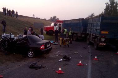 Жуткое ДТП в Херсонской области: два человека погибли мгновенно