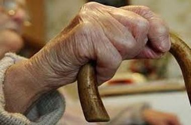 В Хмельницкой области сиделка задушила пенсионерку
