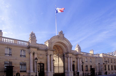 Елисейский дворец оказался под угрозой, охрану усиляют – СМИ