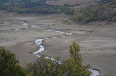 В оккупированном Крыму критическая ситуация: пересохло верховье водохранилища