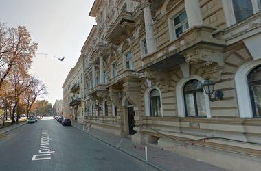 В центре Одессы обвалился фасад доходного дома