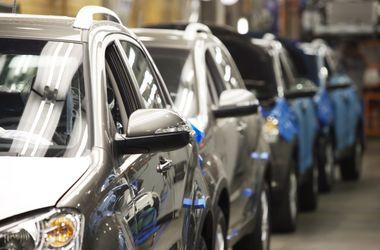 Украинцы ринулись скупать автомобили