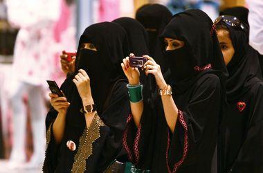 Иностранцев обязали платить за выезд из Саудовской Аравии