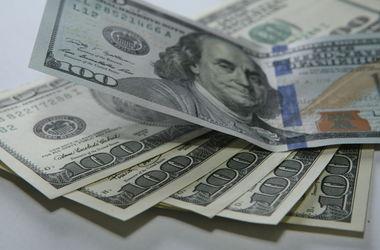 В Украине резко упал курс евро и просел доллар