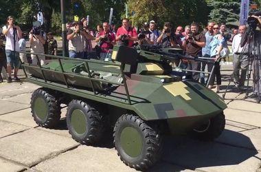 """""""Терминаторы"""" на фронте: для украинской армии создают боевого робота"""