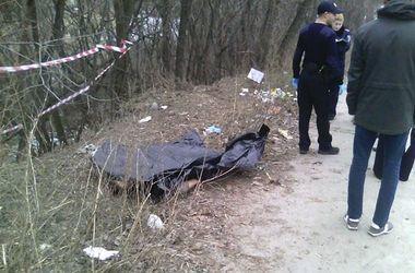 Тело полураздетой женщины обнаружили в Житомирской области