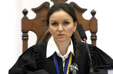 Экс-судья Царевич отозвала свой иск к Порошенко